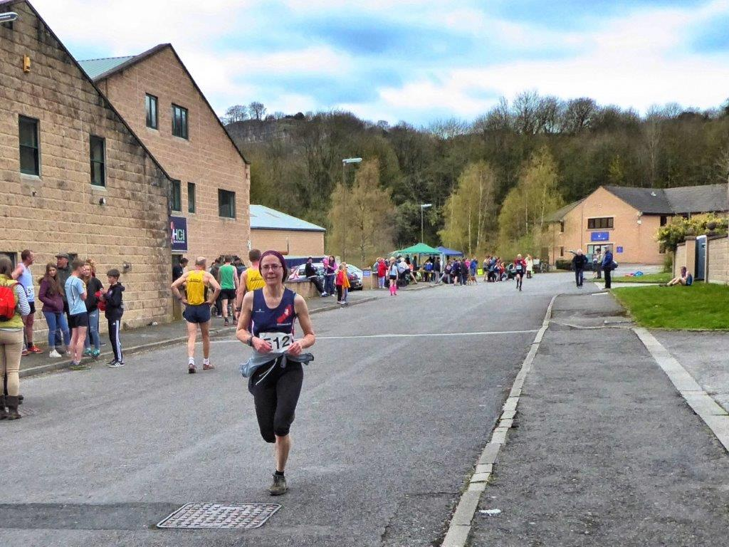 6) Ceri First Wirksworth Lady Incline race 2016